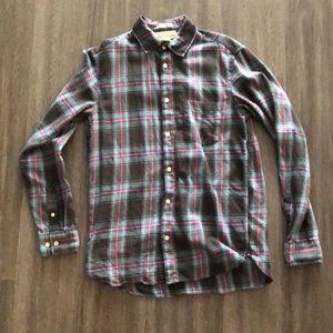 H&M plaid button up shirt